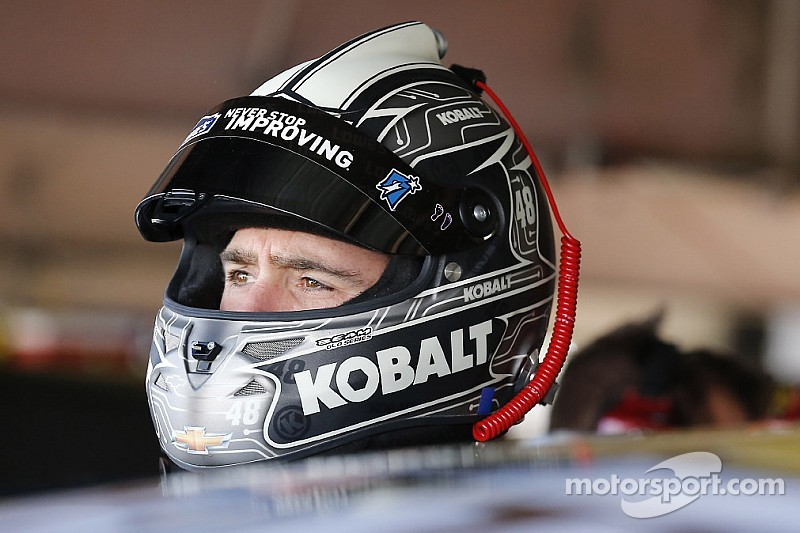 Johnson's championship hopes take hit in Kansas