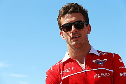 Show goes on but F1 still thinking of Bianchi