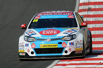 Jason Plato 'storms' to pole at Brands Hatch