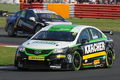 Belcher ends 'fantastic' rookie BTCC season with brace of top 20 finishes