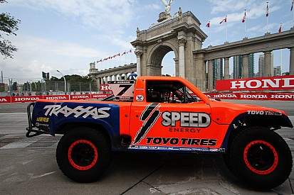 Stadium Super Trucks wind up second season at Las Vegas