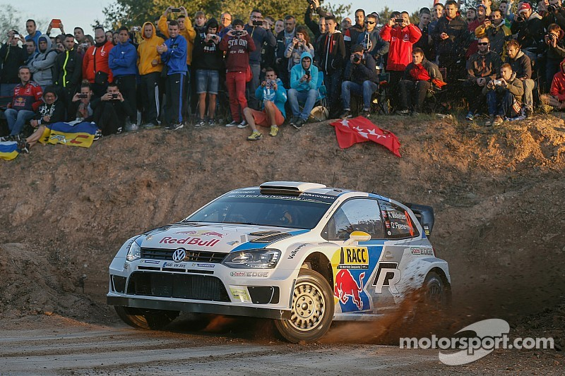 Mikkelsen fastest early on the streets of Barcelona
