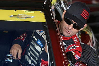 NASCAR Notebook, Martinsville: 2nd a mixed blessing for Gordon