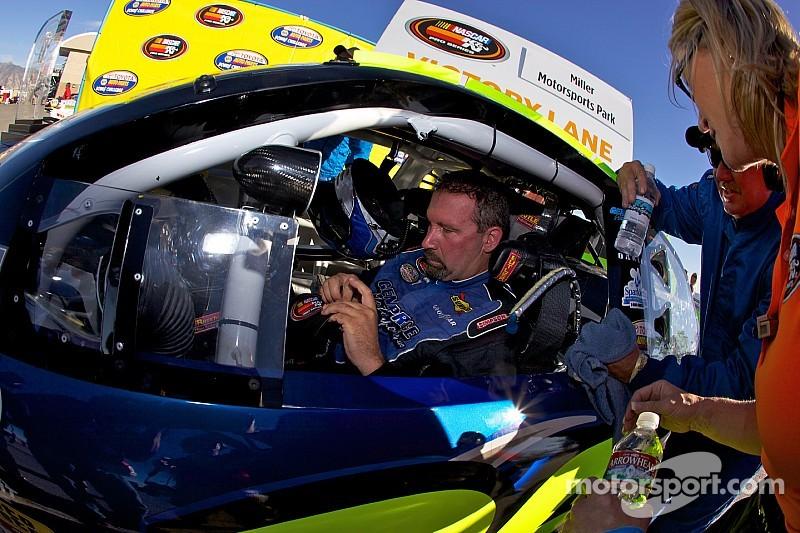 NASCAR to award final two Touring Series titles
