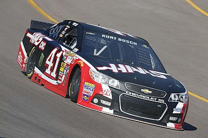 Kurt Busch earns hard-fought seventh place finish at Phoenix