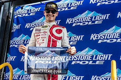 Larson earns Truck pole for season finale