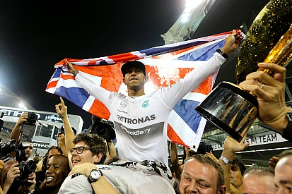 Hamilton becomes two-time World Champion as Rosberg encounters ERS issues