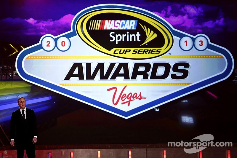 Jay Mohr back to host NASCAR Sprint Cup Series Awards