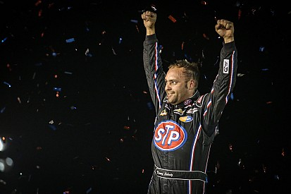 World of Outlaws driver Schatz heading down under