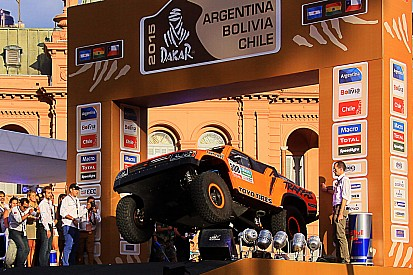 Robb's Dakar ride: Scrutineering and start podium