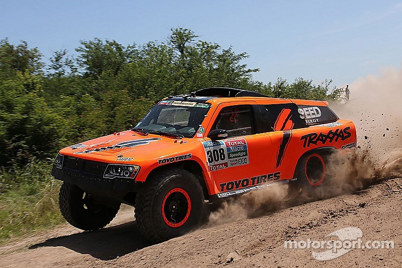 Robby Gordon's quest to win Dakar hits a roadblock