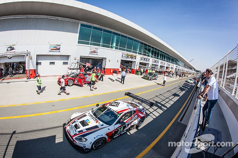 Porsche sets early pace at 24 Hours of Dubai practice