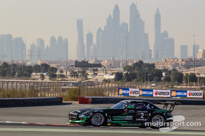 Mercedes muscle to the front early in 24 Hours of Dubai