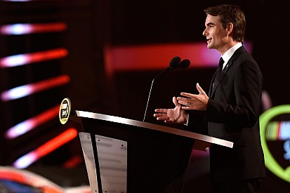 Jeff Gordon calls a halt to full-time NASCAR career