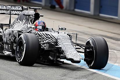 Red Bull running wingless after Kvyat shunt