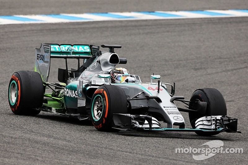 Mixed conditions for Mercedes on day two in Jerez