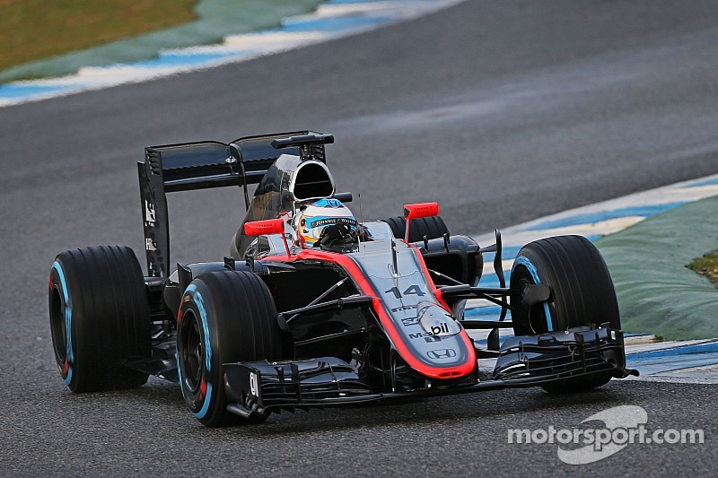 McLaren says race finish in Melbourne 'realistic'