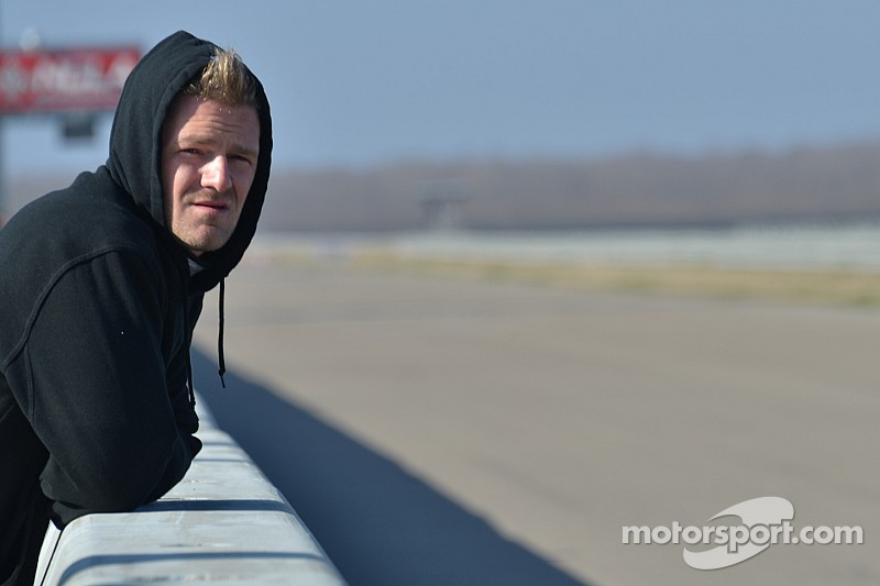 Jakes returns to IndyCar with Schmidt Peterson