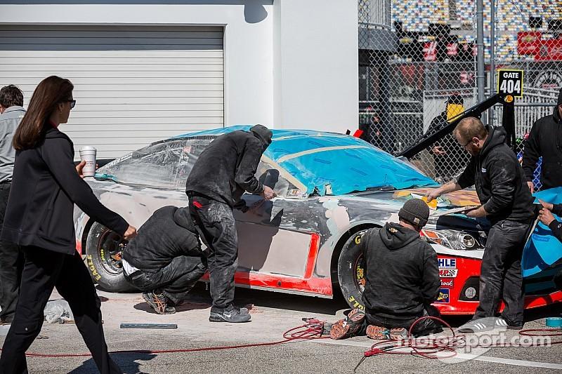 Body work: Teams scramble to repair Duel damage on Friday