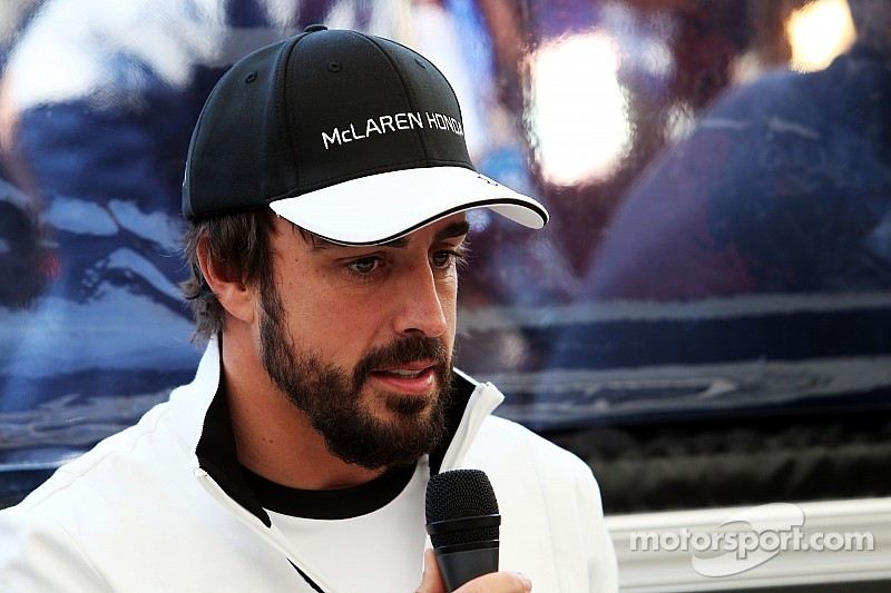 Alonso to stay in hospital a third night