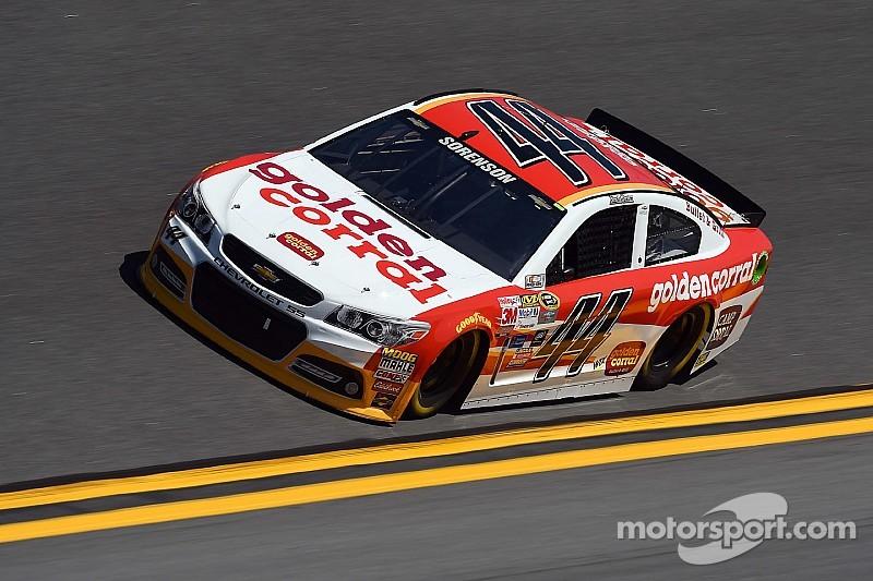 Roban un auto de la NASCAR Sprint Cup en un hotel