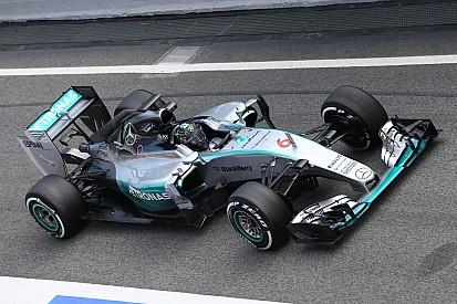 Nico Rosberg manda en el segundo día en Barcelona