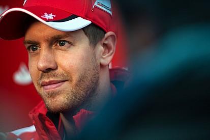 Vettel dice que él no vio el incio del accidente de Alonso