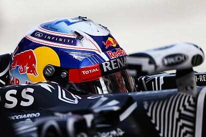 Даниэль Риккардо завершил лидером второй тестовый день в Барселоне