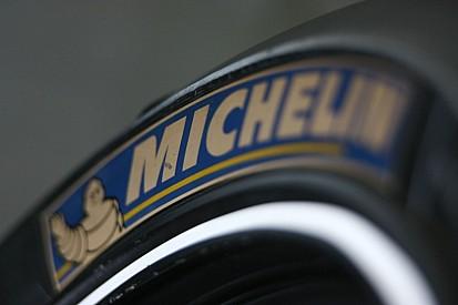 В Michelin объяснили причину серьезных аварий на тестах новых шин для MotoGP