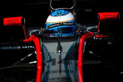 Sainz y De la Rosa envían ánimos a Alonso