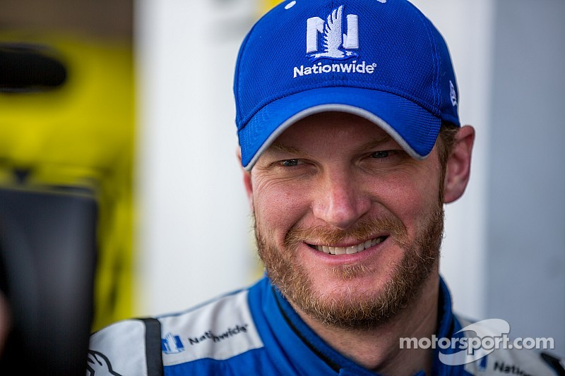Dale Earnhardt Jr. finds his joystick