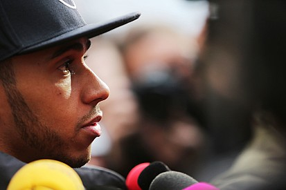 "Lauda slams Hamilton Ferrari link as ""nonsense"""