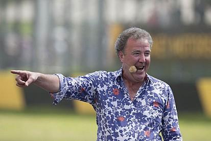 Clarkson, según informes golpeó al productor de la BBC