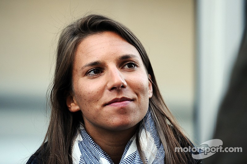 De Silvestro returns to IndyCar with Andretti