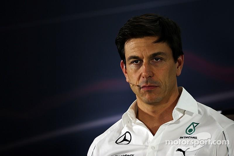Wolff no acepta la propuesta de Red Bull