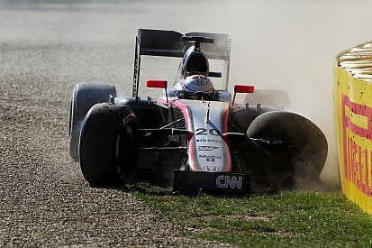 Magnussen takes blame for FP2 crash