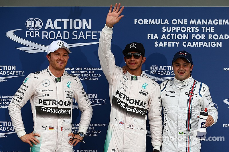 Hamilton storms to Australian GP pole