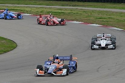 Команды IndyCar опробовали новые аэрообвесы