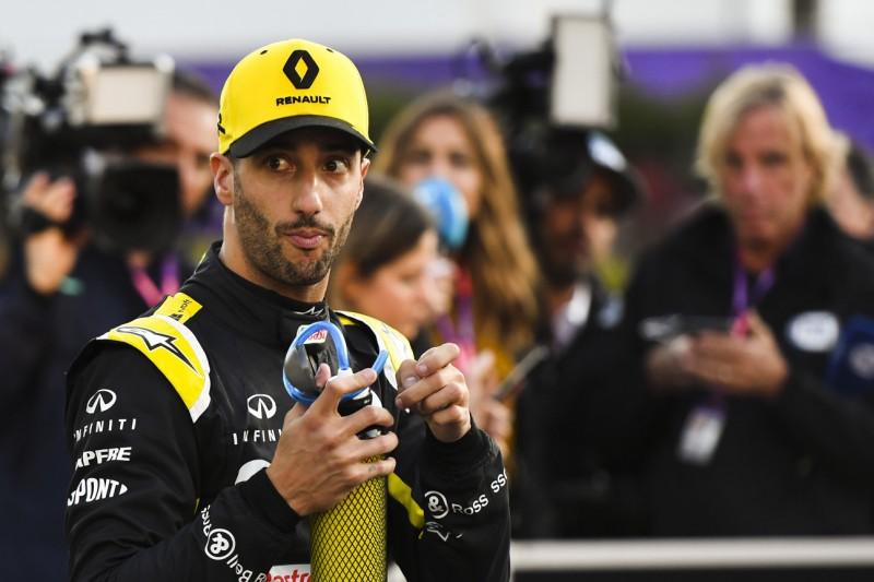 """Mark Webber sorgt sich um Daniel Ricciardo: """"Renault muss für ihn liefern"""""""
