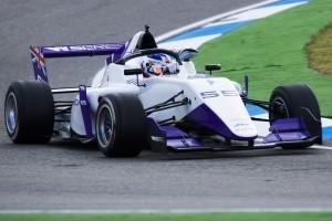 W-Series Hockenheim: Jamie Chadwick holt überlegen erste Pole-Position