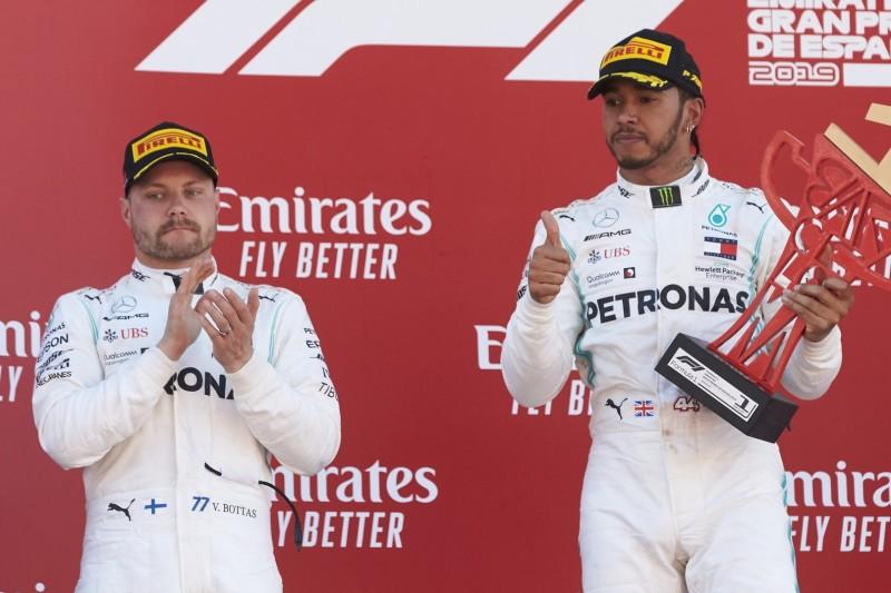 """Hamilton hofft auf Ferrari: WM-Kampf gegen Bottas """"weniger aufregend"""""""