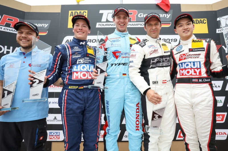 TCR Germany: Mike Halder gewinnt auch in Most