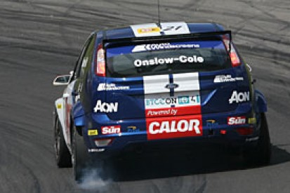 Fords fly in Brands Hatch practice