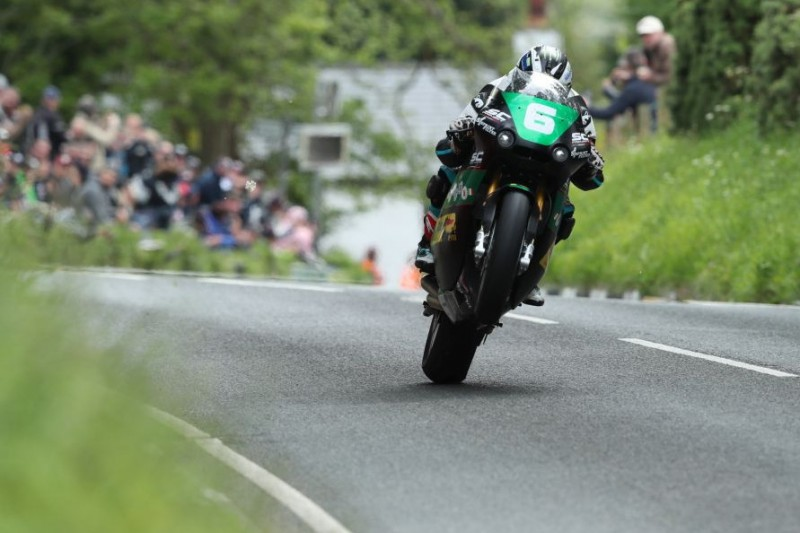 Isle of Man TT 2019: Michael Dunlop gewinnt Lightweight-TT