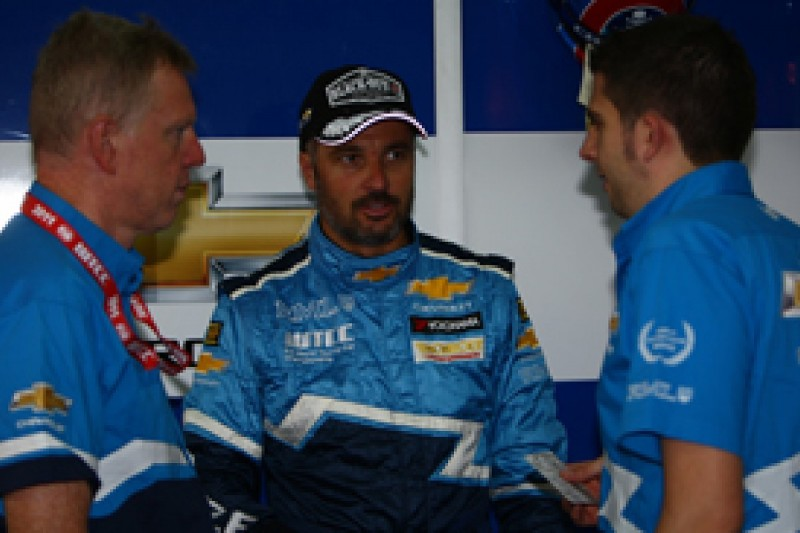 Yvan Muller continues to thrash the World Touring Car pack in Valencia practice