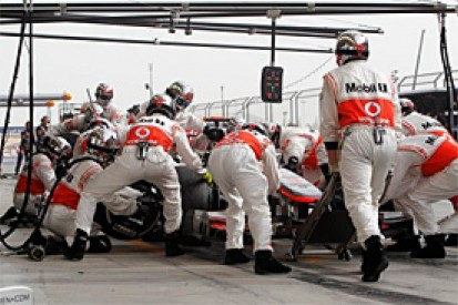 McLaren promises to investigate pitstop problems