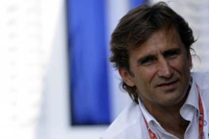 Alex Zanardi wins gold in 2012 Paralympic handcycling race