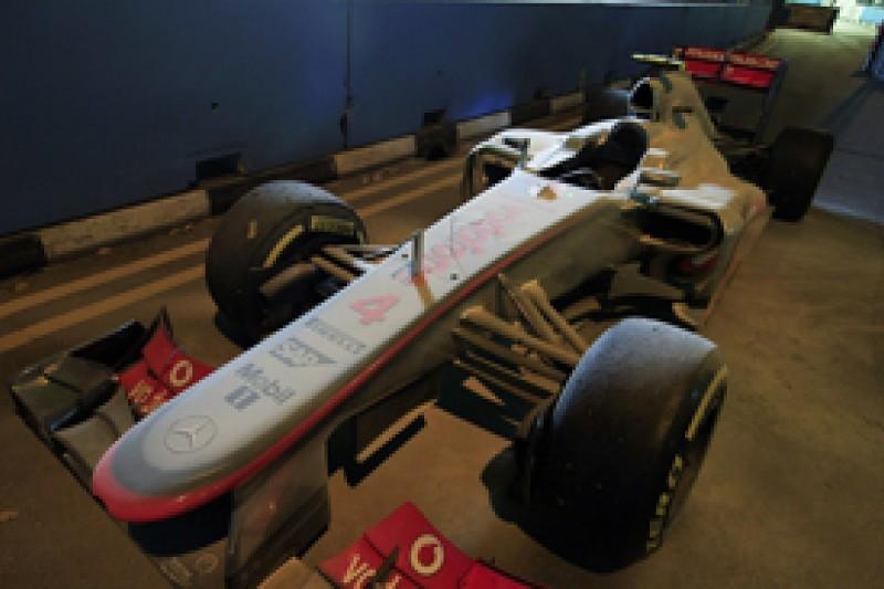 "Singapore GP: Lewis Hamilton ""cruising"" before retiring from winning position"