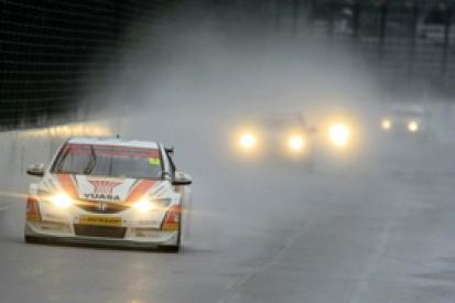 Rockingham BTCC: Gordon Shedden heads Honda one-two at wet Rockingham