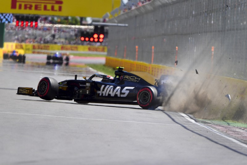 Haas doppelt gestraft: Magnussen nach Crash mit Boxengassen-Start